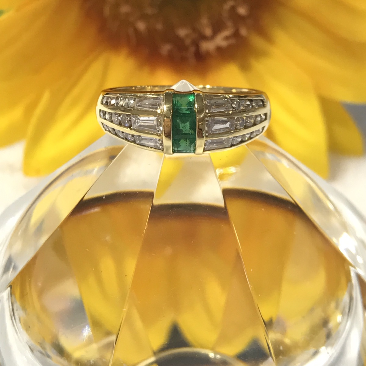 $999 K18YG 0.32ct & 0.92ct Emerald Ring